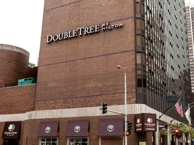 double tree one magnificent mile chicago dae group. Black Bedroom Furniture Sets. Home Design Ideas